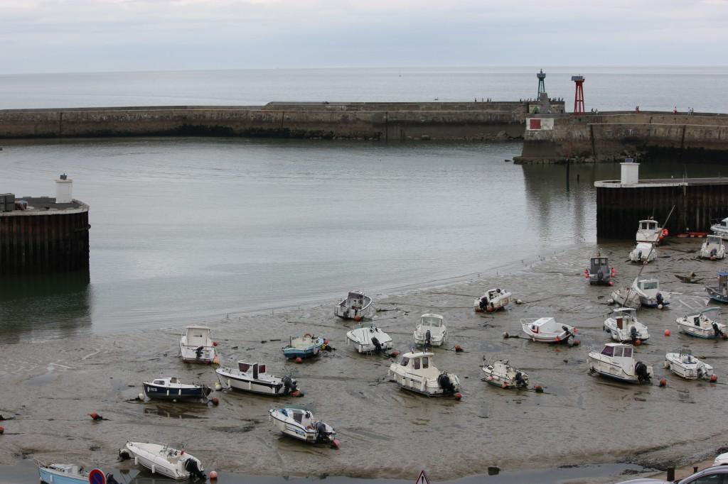 Inloppet till Port en Bessin nära lågvatten