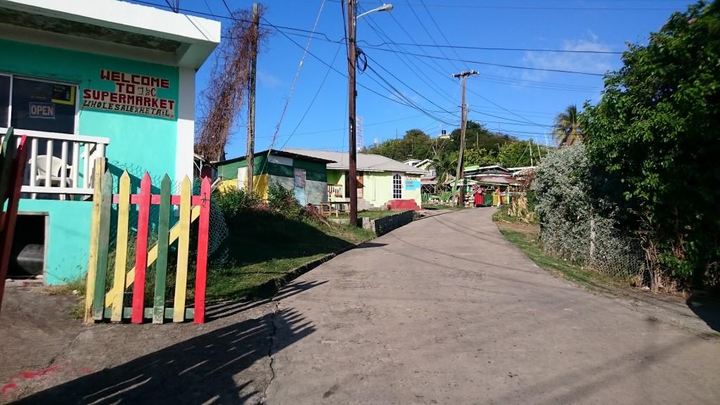 Huvudgatan på Mayreau.