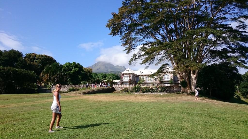 Vacker herrgård på plantagen.
